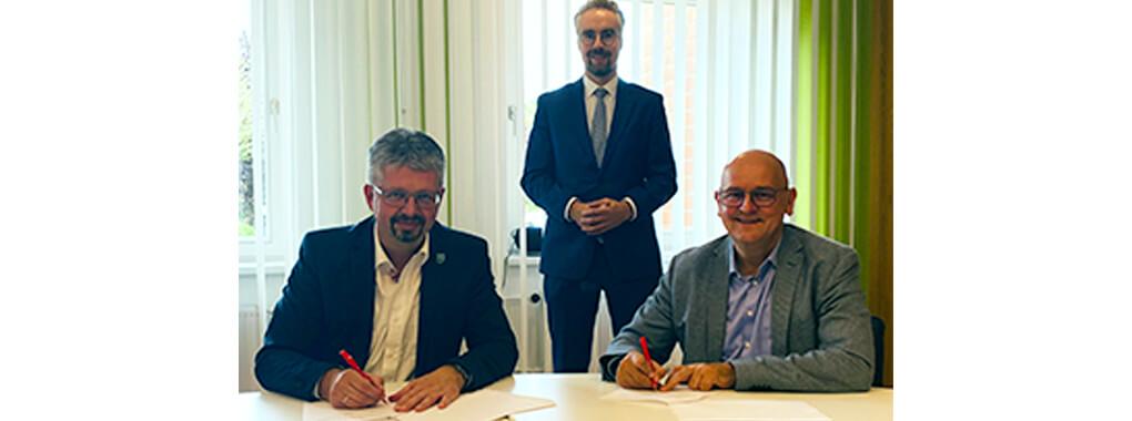 GIFFInet: Vertragsunterzeichnung Gemeinde Sassenburg